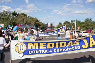 160329 Ato Entrega Assinaturas 10 medidas Combate Corrupcao - Antonio (53).jpg